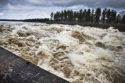 Lukijalta: Tulvaluukut enemmän auki