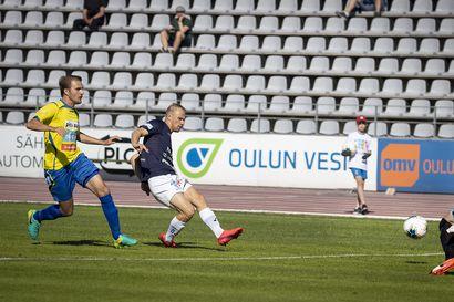 """AC Oulun hyökkäyspään raataja Niklas Jokelainen sai vuoden jatkosopimuksen: """"Viimeisen vuoden aikana hän oli varmaan kehittynein pelaajamme kokonaisvaltaisesti"""""""