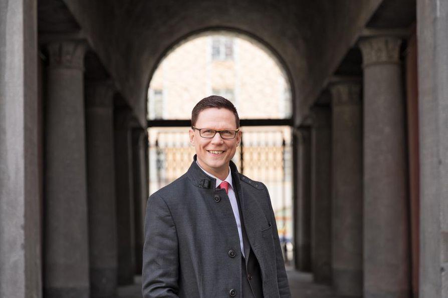 Tasa-arvovaltuutettu Jukka Maarianvaara sanoo, että Suomessa yhdistykset voivat itse päättää, keitä he haluavat jäseneksi.