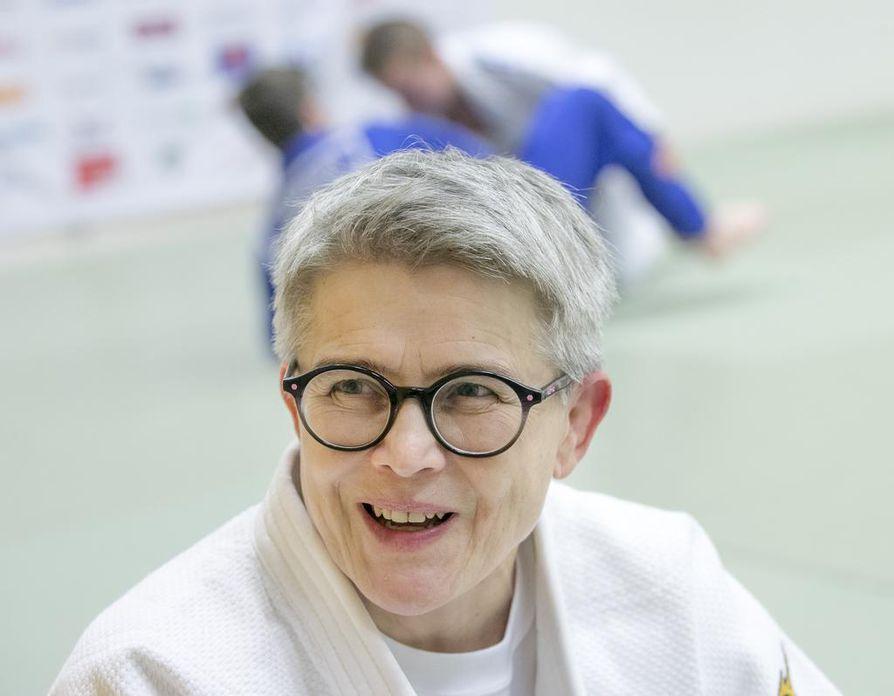 Jaana Ronkainen kävi marraskuussa yhdeksän nuoren judokan kanssa Tukholmassa kilpailuissa, joihin osallistui yli 400 nuorta. Suojattien menestys eli kolme sarjavoittoa ja yhteensä kuusi mitalia yllätti jopa hänet.