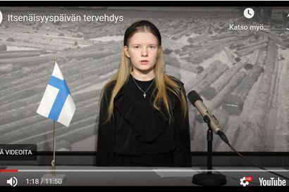 Pudasjärven kaupungin itsenäisyyspäivän lähetys: Iida puhui nuorten näkökulmasta Suomeen ja Anni-Inkeri kannusti aktiiviseen asenteeseen
