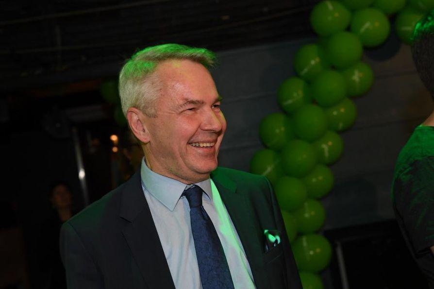 Pekka Haavisto ilostui vihreiden mahdollisesta kolmannesta parlamenttipaikasta.