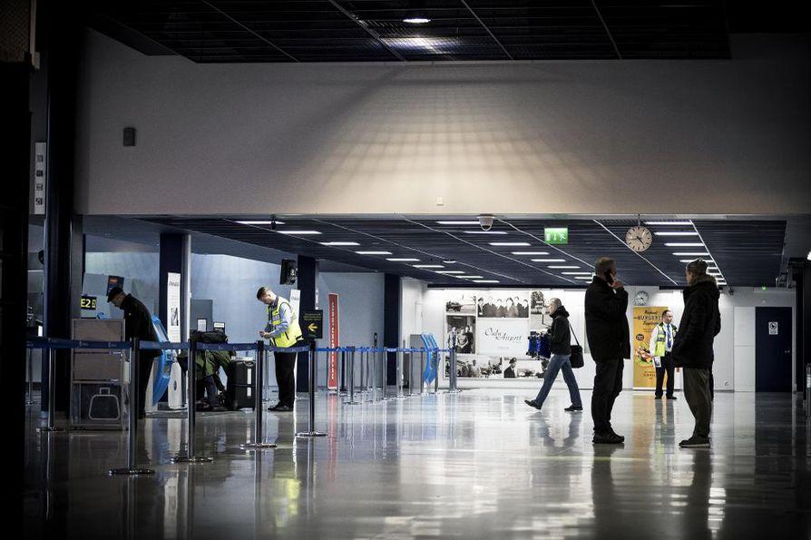 Ilmailualan työriita on hiljentänyt Suomen lentoasemia jo useamman kerran parin viikon aikana.