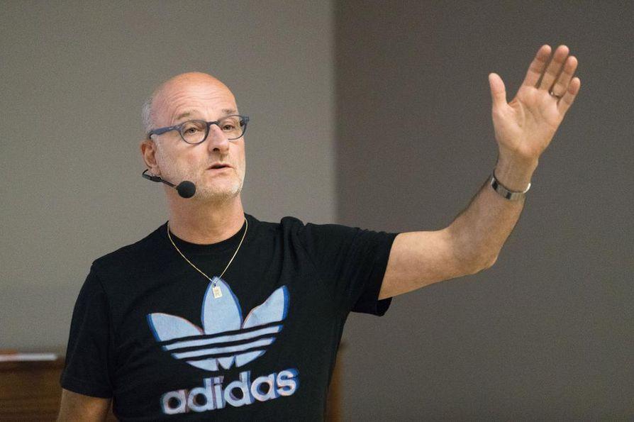 Henrik Dettman on Suomen miesten koripallomaajoukkueen pitkäaikainen päävalmentaja.