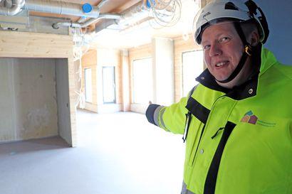 Kurkkaus Pudasjärven Hirsihoviin, näin rakennustyöt etenevät – kahvila-ravintolan liiketila vapaana alakerrassa