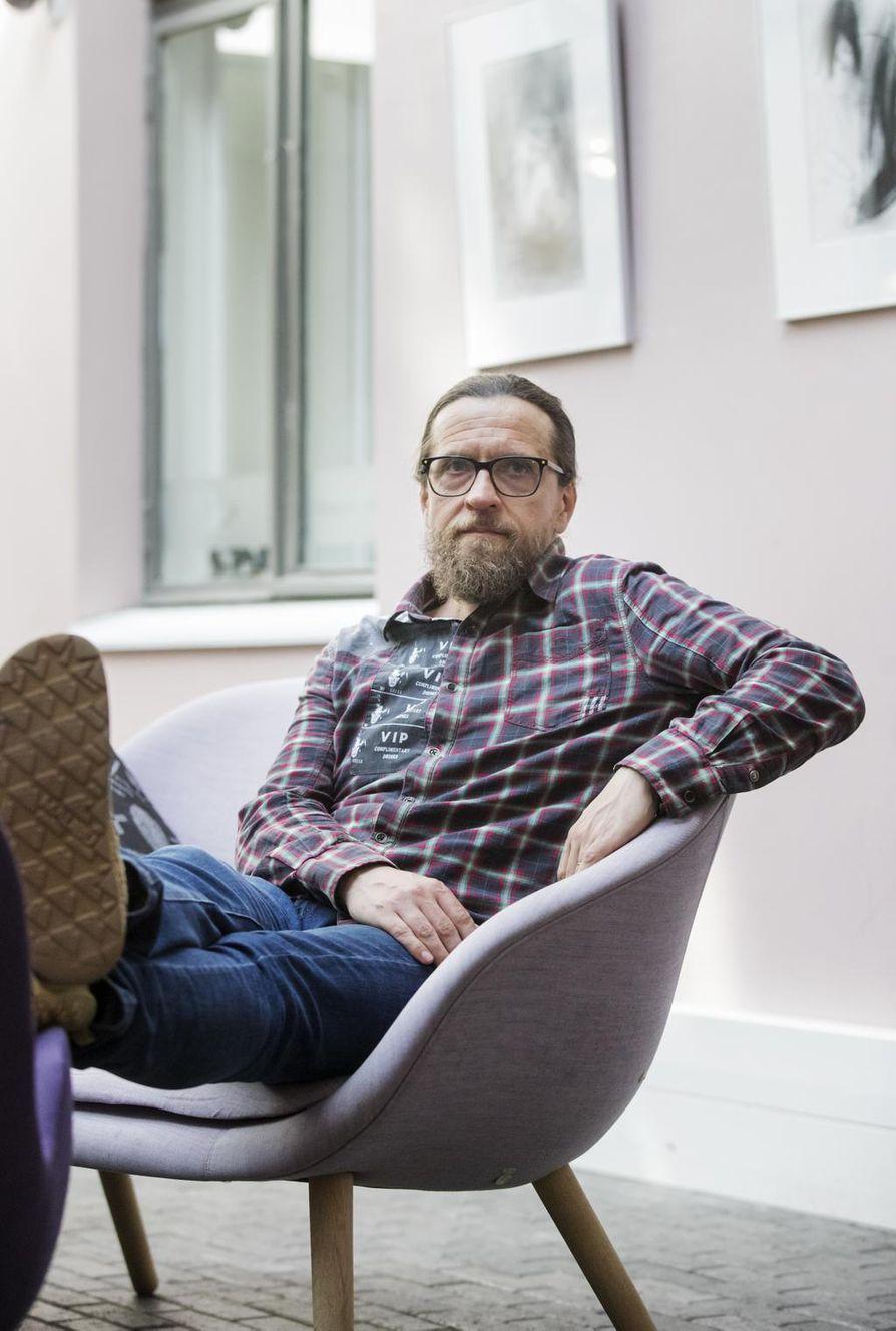 Kun puhutaan ruotsinsuomalaisista, ajatellaan yleensä 1960-1970-luvun suurta muuttoliikettä, Kai Latvalehto kertoo. – Unohdetaan, että nykyään valtaosa ruotsinsuomalaisista on jo toisen tai kolmannenkin sukupolven edustajia.