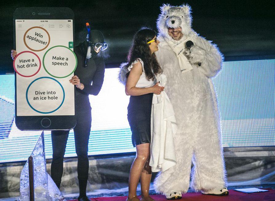 Polar Bear Pitching on järjestetty viime vuosina Oulun Torinrannassa. Kuvassa tapahtuman maskotti ja juontaja J-Bear. Arkistokuva.