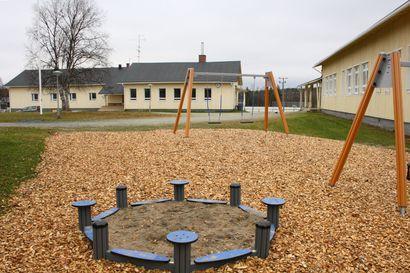 Karesuvannon koululle ja päiväkodille Enontekiöllä rakennetaan nopealla aikataululla väistötilat – oppilaat aloittaisivat väistötiloissa tammikuussa