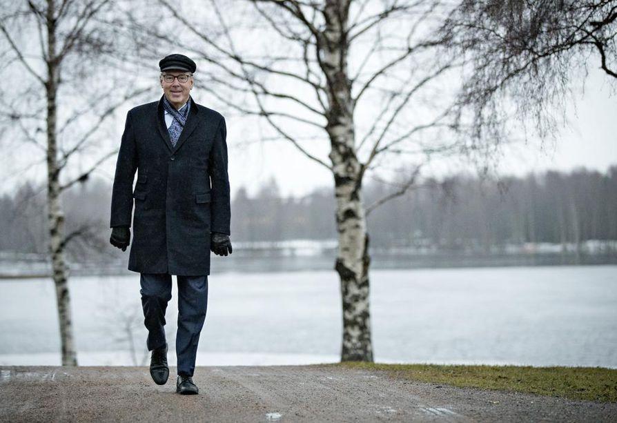 Matti Pörhön mielestä Oulujoen suistosta löytyy maailman kauneimmat koiranulkoilutusreitit.