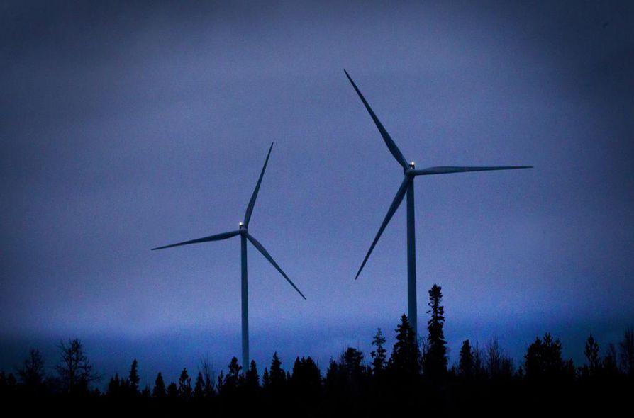 Tuuli- ja aurinkovoima, bioenergia, lämpöpumput, Olkiluoto 3 ja energiatehokkuuden parantaminen.  Näillä eväillä ilmastopaneeli näkee Suomen jopa sähköomavaraisena.