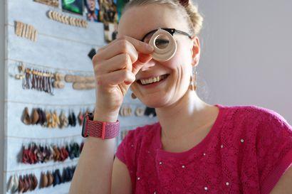 Somessa verkostoitunut: Oulaistelainen puukorutaiteilija Pitja Simi vastasi toisen yksinyrittäjän yhteistyöpyyntöön, siitä syntyi alku huikealle muuttumismatkalle