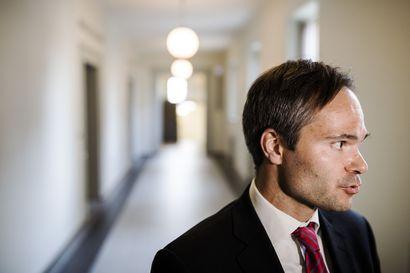 """Ex-sisäministeri Mykkänen arvostelee hallitusta al-Holin suomalaisten palautuspäätösten venymisestä – """"Suunnitelmat olivat jo keväällä aika pitkällä"""""""