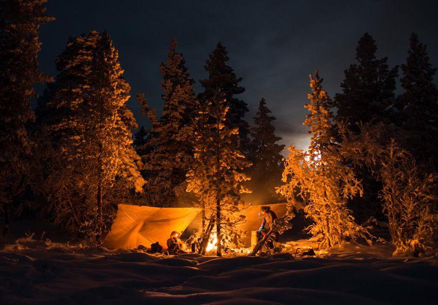 Talvileirin tunnelmaa Tarvantovaaran erämaassa Marraskuun puolivälissä.