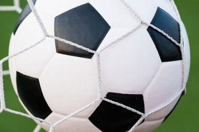 Jalkapallovalmentaja häiritsi alaikäistä seksuaalisesti – sai potkut, mutta jatkoi uuteen seuraan