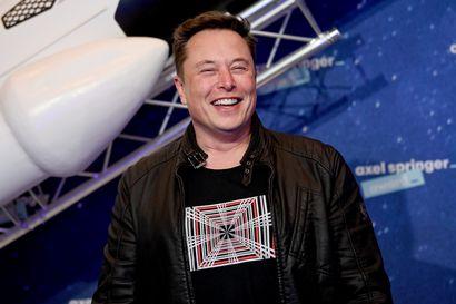 Elon Muskin SpaceX:n uusi raskas Starship-raketti räjähti laskeutuessaan