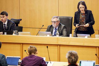 Lukijalta: Keskustan valtuustoryhmä kertoo, miksi käänsi takkinsa Rovaniemen veronkorotuksessa