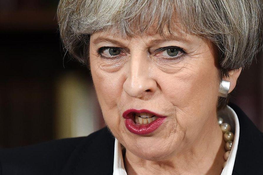 Theresa May ei onnistunut vahvistamaan kannatustaan Britannian ennenaikaisissa parlamenttivaaleissa.