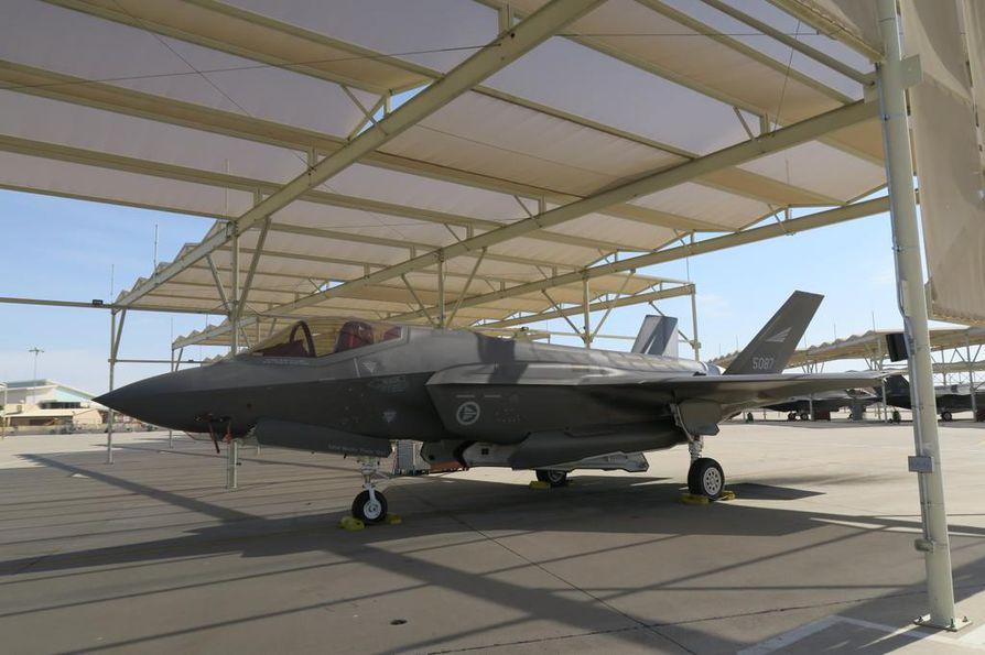 Norjalaisten ja yhdysvaltalaisten F-35 -pilottien lisäksi 56. hävittäjälentolaivue kouluttaa italialaisia lentäjiä. Tyyppikoulutuksen kesto on kolmesta kuuteen kuukautta.