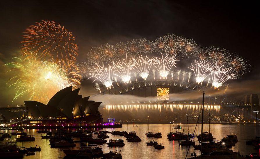 Vuosi vaihtui Australiassa komean ilotulituksen saattelemana.