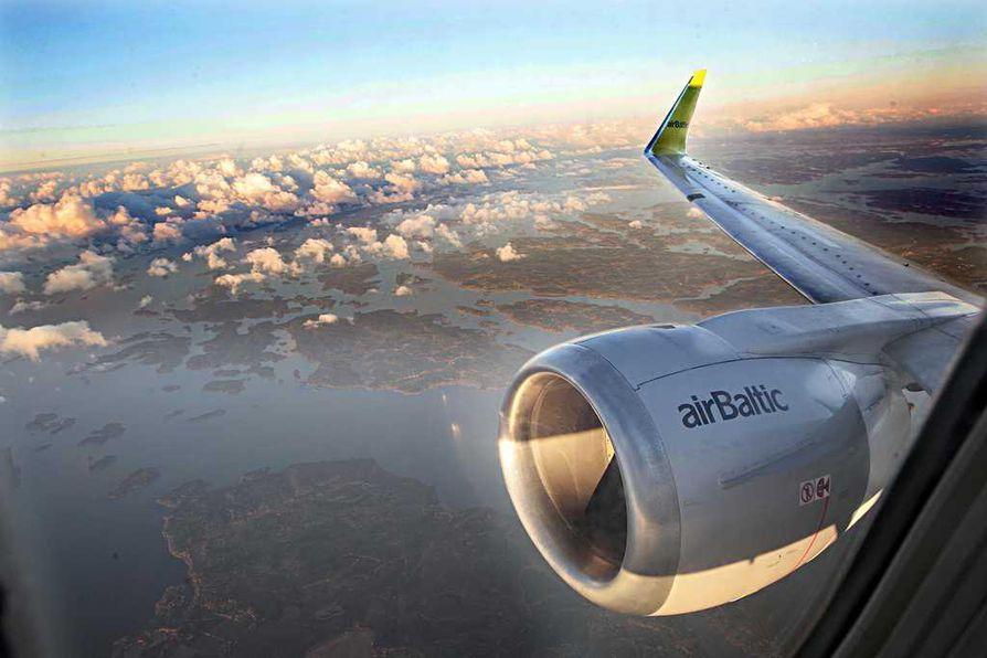 Halpalentoyhtiö Air Baltic joutuu viivästyttämään Oulun lentoasemalle suunnittelemansa liikenteen solmukohdan, hubin, avaamista.