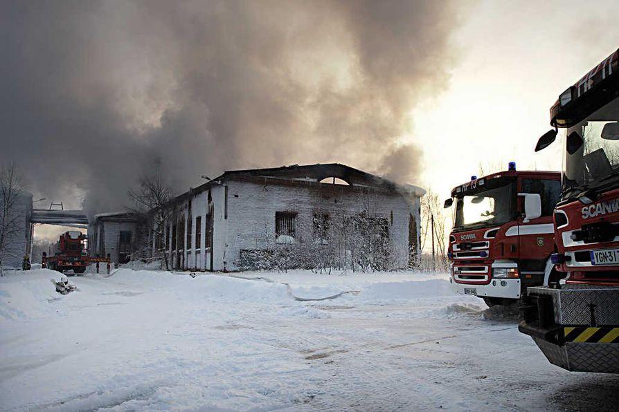 Martinniemen vanhan sahan siilon kärsi mittavia vahinkoja tulipalossa.
