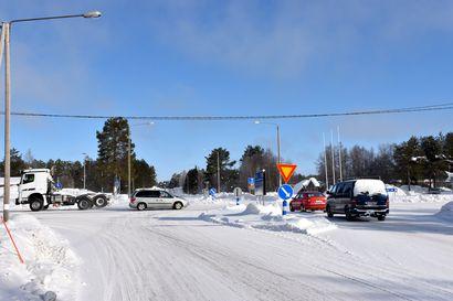 """""""Lapissa tiet ovat kohta yhtä huonossa kunnossa kuin Venäjällä"""" - Posion taajamaan vaaditaan kiertoliittymää ja suojatiesaarekkeita"""
