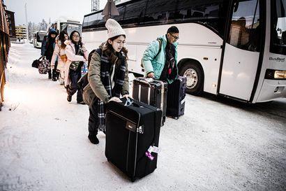 Lapin kuntajohtajat vetoavat päättäjiin: tuleva talvisesonki uhkaa romuttua matkustuslinjausten takia, ehtoihin saatava nopeasti muutos
