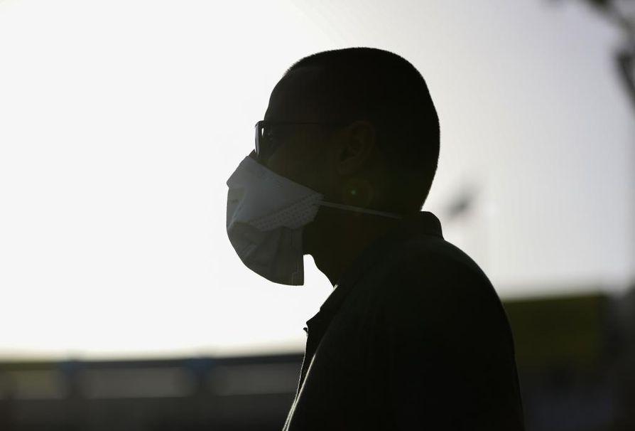 Kiinasta lähtenyt koronavirus on levinnyt laajalle. Se vaikuttaa myös talouteen.