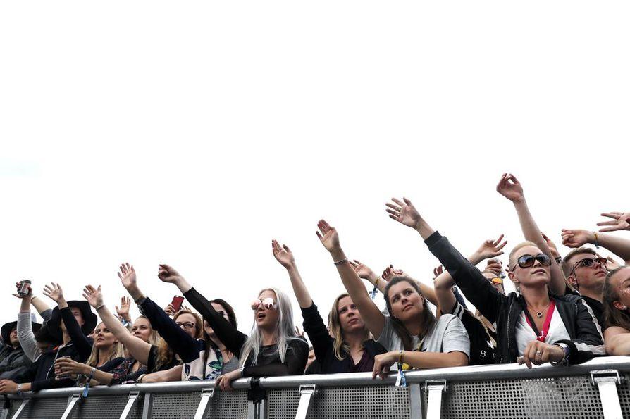 Yleisöä vuoden 2017 Qstockissa.