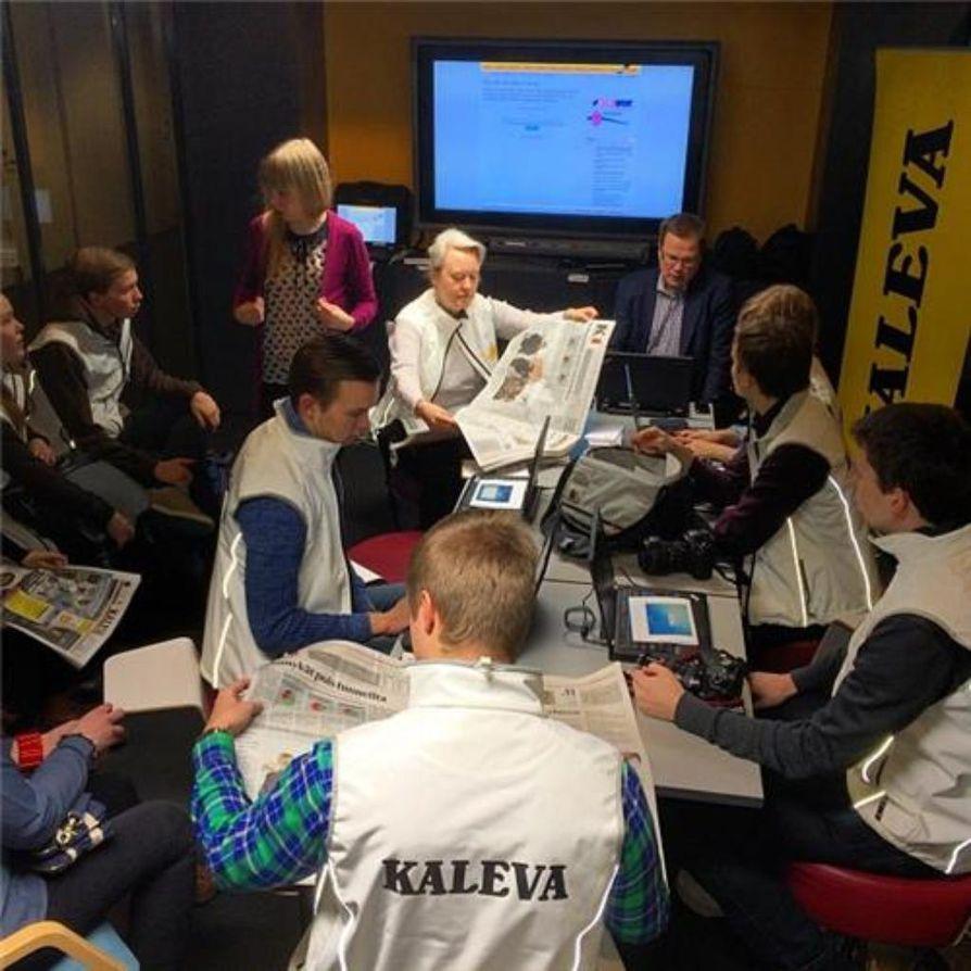Säpinää Opi-päivien toimituksessa. Kaleva seuraa opettajainpäiviä yhteistyössä Oulun ammattikorkeakoulun journalismin opiskelijoiden kanssa.