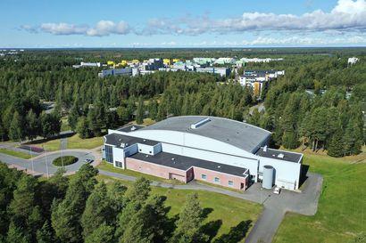 Linnanmaan uimahallin valtionapu on vaakalaudalla, koska rakentaminen ei alkanut tänä vuonna–myös Ouluhallin peruskorjauksen ja laajennuksen avustus menetettiin