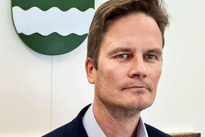 Ranuan kunnanhallitus vahvistaa uuden kunnanjohtajan palkan – Tuomas Aikkilan palkaksi 7900 euroa