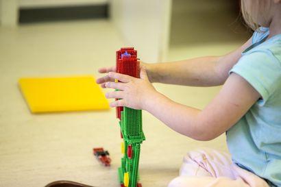 Raahe sulkee päivähoitopaikat viimeistään keskiviikkona - myös koulut menevät kiinni
