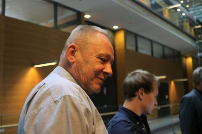 """Rosvopoliisi Jari Aarnion tulot viime vuonna 4374 euroa – Katso, miten tienasivat entiset jengipomot Janne """"Nacci"""" Tranberg ja Keijo Vilhunen"""