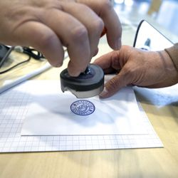 Kuntavaalien vaalitulos vahvistettu – Arvonta ratkaisi valtuustopaikkojen kohtaloita Rovaniemellä, Muoniossa ja Utsjoella