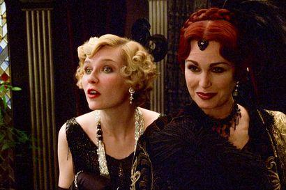 Päivän leffapoiminnat: Luksusjahti koituu kuolemaksi – juhlissa mukana filmitähtiä Charles Chaplinista Marion Daviesiin