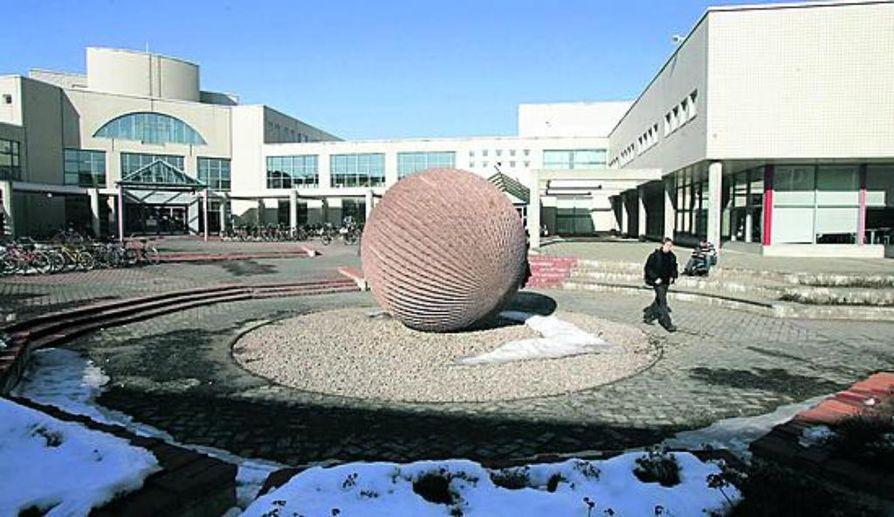 Oulun yliopiston sijoituspaikasta keskusteltiin aikoinaan värikkäästi.