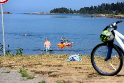 Helteinen kesäkuu nosti hukkuneiden määrää Suomessa – luonnonvesissä uidessa uimataidon tärkeys korostuu