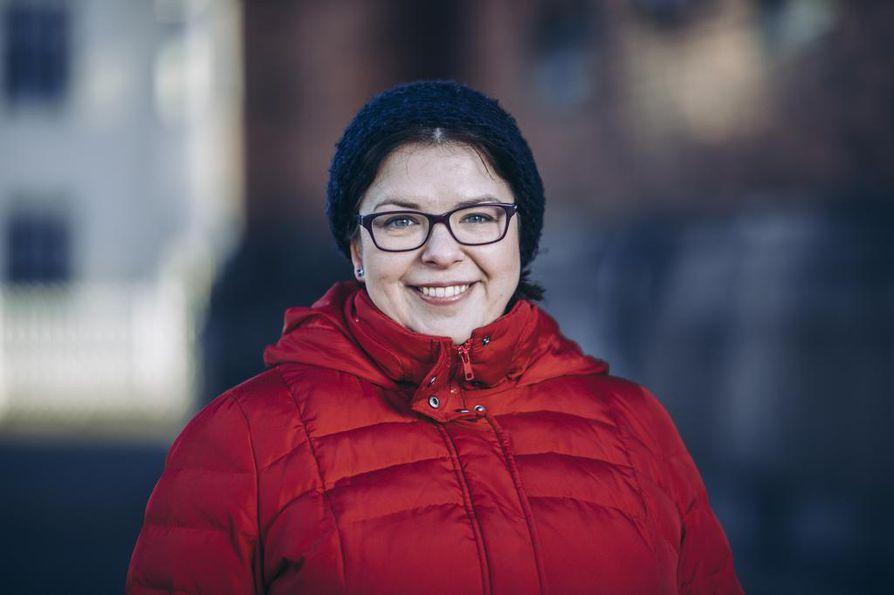 Elena Gorschkow-Saloranta, 39, käy aktiivisesti Helsingin ortodoksisen seurakunnan Uspenskin katedraalissa. Gorschkow-Saloranta on toiminut ortodoksisen kirkon eri elimissä.