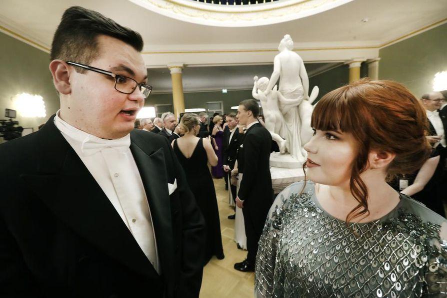 Marcell Rotán ja Ronja Juola iloitsivat kutsusta Linnan juhliin.