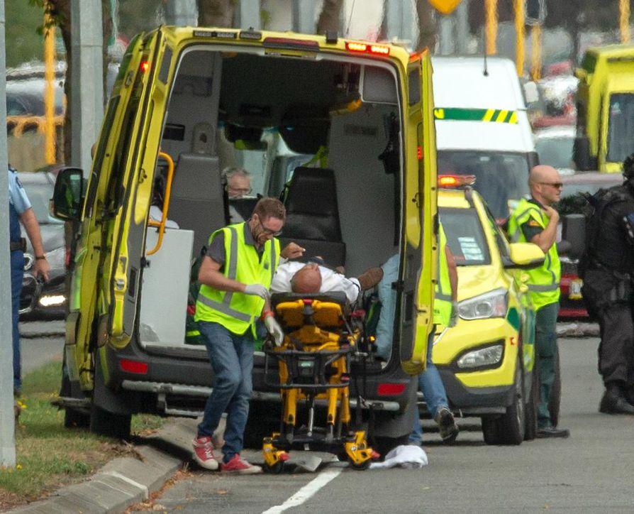 Sanna Huhtamäen työpaikkaan Christchurch Hospital -sairaalaan vietiin perjantaina 48 iskujen uhria, joista yksi kuoli sairaalassa.