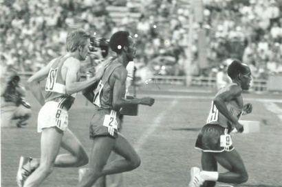 Takaisin radoille ja poluille – Olympiamitalisti Kaarlo Maaninka innostui puolenkymmentä vuotta sitten kilpailemaan aikuisurheilussa - Juttu sisältää videot: Ensimmäisen Kaarlon juoksun lähtö Maaninkavaarassa  2016 sekä vuoden 1980 Moskovan olympialaisten 10000 metrin 10 viimeistä minuuttia