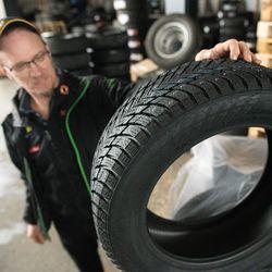 Kuusamossa luotetaan talvella laaturenkaaseen, kesällä valitaan edullinen vaihtoehto – renkaiden hinnat ovat nousseet 5–10 prosenttia