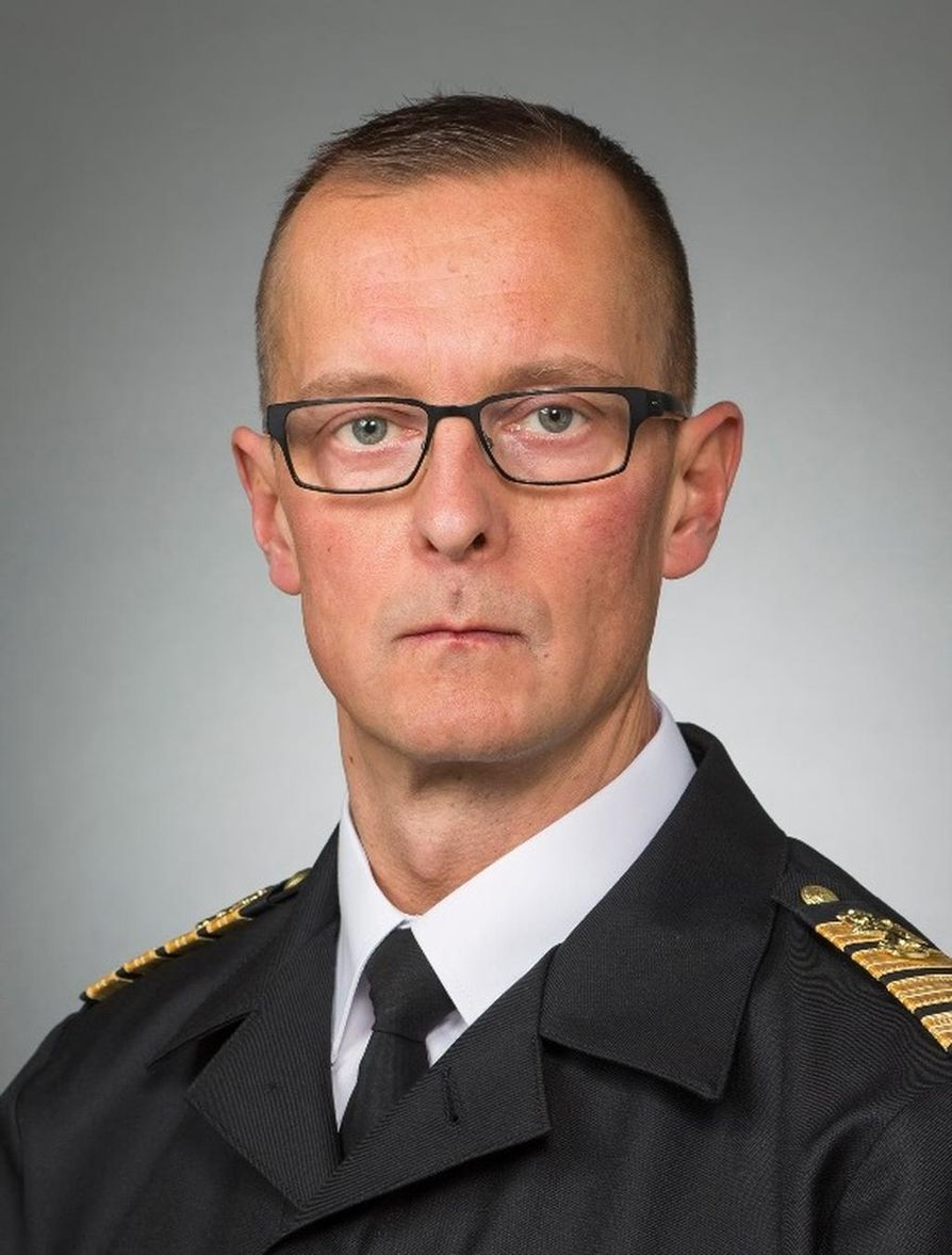 Merivoimien operaatiopäällikkö, kommodori Jori Harju on nimitetty amiraalin virkaan määräajaksi sekä merivoimien komentajaksi.