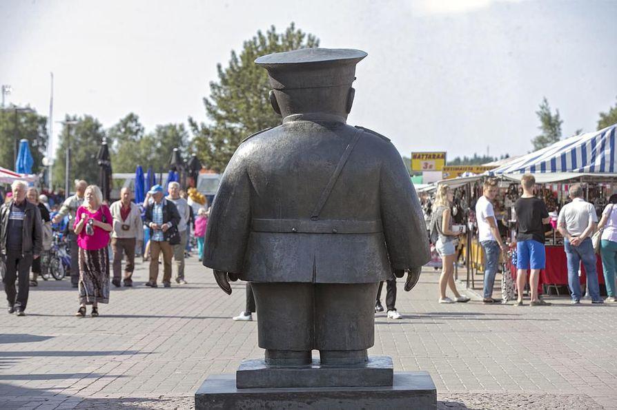 Oulun yliopiston ja Oulun kaupungin toteuttamassa tutkimuksessa selvitettiin syitä miksi ihmiset muuttavat Ouluun tai pois Oulusta.