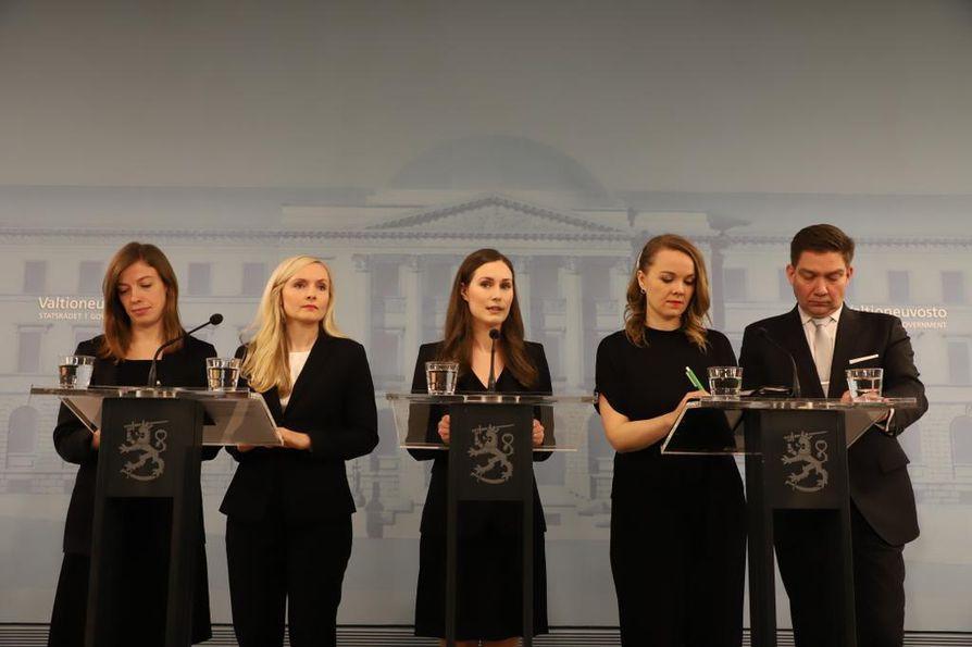 Suomessa ja maailmalla on kohistu uuden hallituksen johtohahmojen sukupuolesta ja iästä. Naisten osuus kasvaa myös pörssiyhtiöiden johdossa.