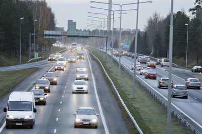 Erikoiskuljetus Raahen ja Limingan välillä – liikenne pysäytetään ajoittain