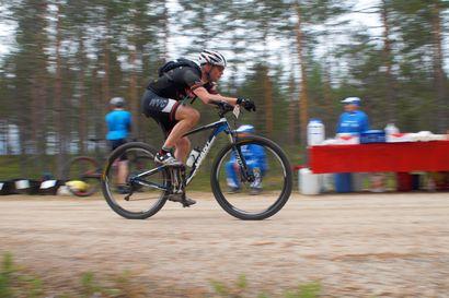 Syöte MTB -maastopyöräkilpailussa vedettiin täysillä– katso vauhdikas kuvagalleria
