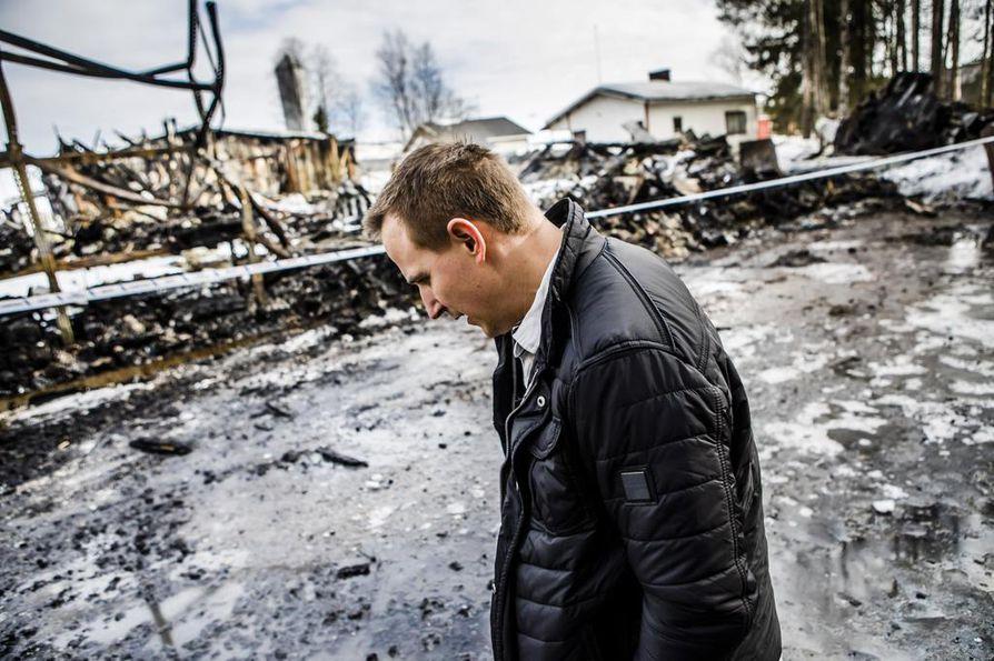Kari Rautionaho sanoo, että palossa meni 20 vuoden kertynyt omaisuus.