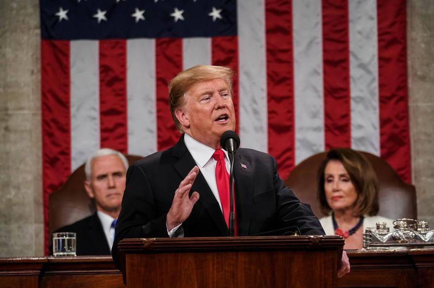Trump käytti puheessaan uutta slogania: Valitse suuruus.
